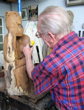 Aurelio Macchi sculpting