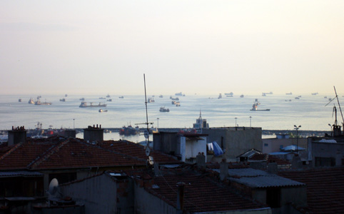 Shipping traffic on Maimara Sea
