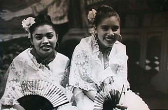 Giancoli photo Girls from Veracruz